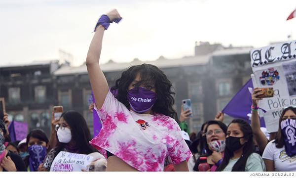 Mujeres en la marcha por el 8M en México